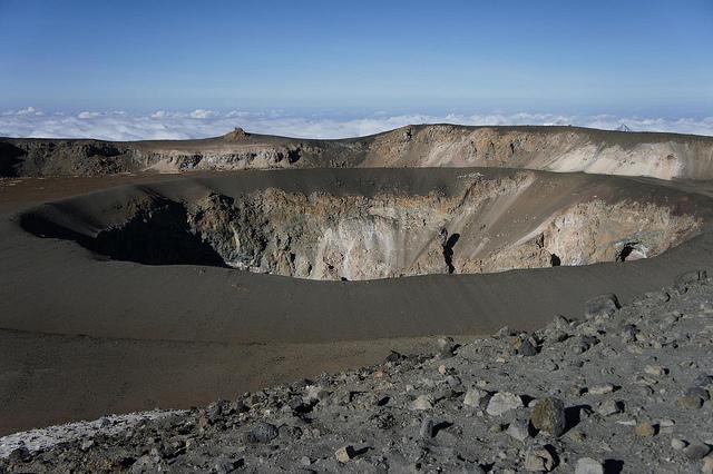 kilimanjaro trekking crater flour