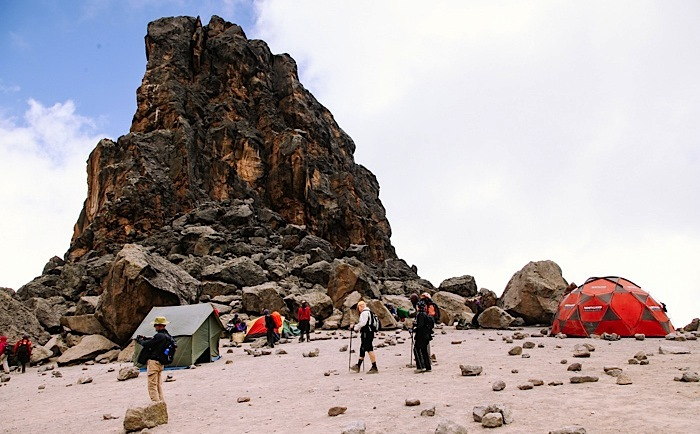kilimanjaro-trekking-machame-route-lava-tower
